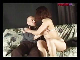 Modella italiana sedotta da vecchio maiale - Italians porno