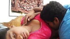 INDIAN GIRL BEDROOM ROMANCE WITH HER BOYFRIEND