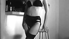YOU'RE NO GOOD - vintage tease nylons stockings