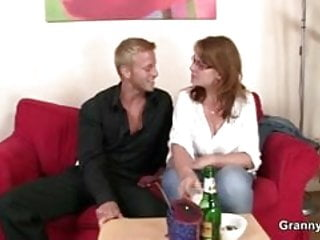 Download video bokep Busty bitch is picked up and fucked Mp4 terbaru