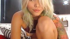 Stunning Teen Masturbates on Webcam