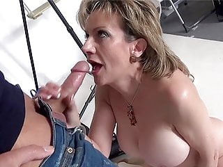 Photographer Mouth Fucks Mature Lady Sonia