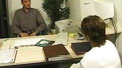 Il baise une vieille cliente dans son bureau by Clessemperor
