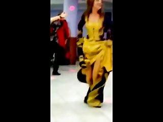 Download video bokep Bride showing full of legs Mp4 terbaru