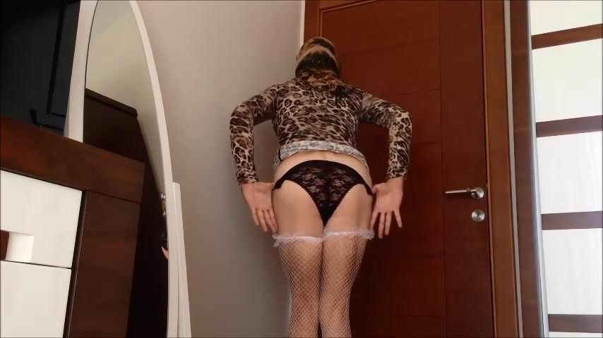 HARRIETT: Sexy turkish girl ayse (arabic mature pissing)