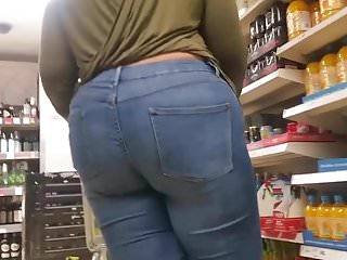 Tall BBW Pawg In Jeans.