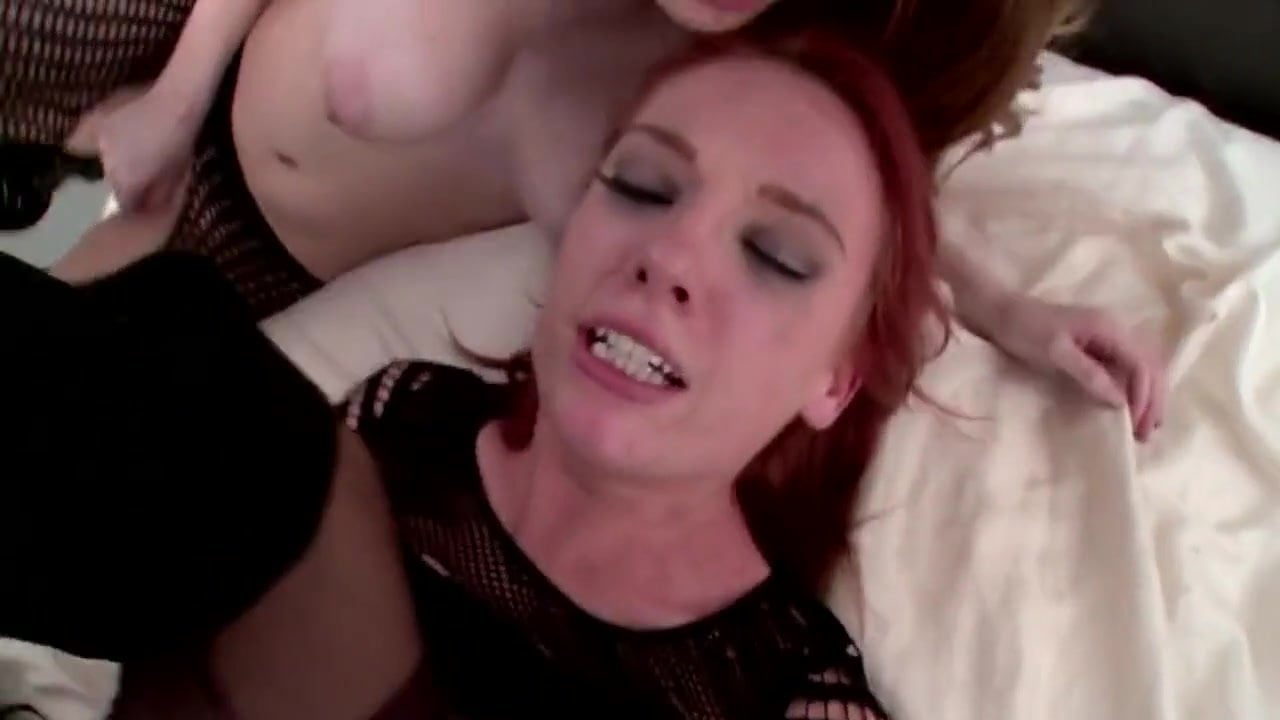 girl-busty-readhead-in-threesometures-fisting-pussy-sisters