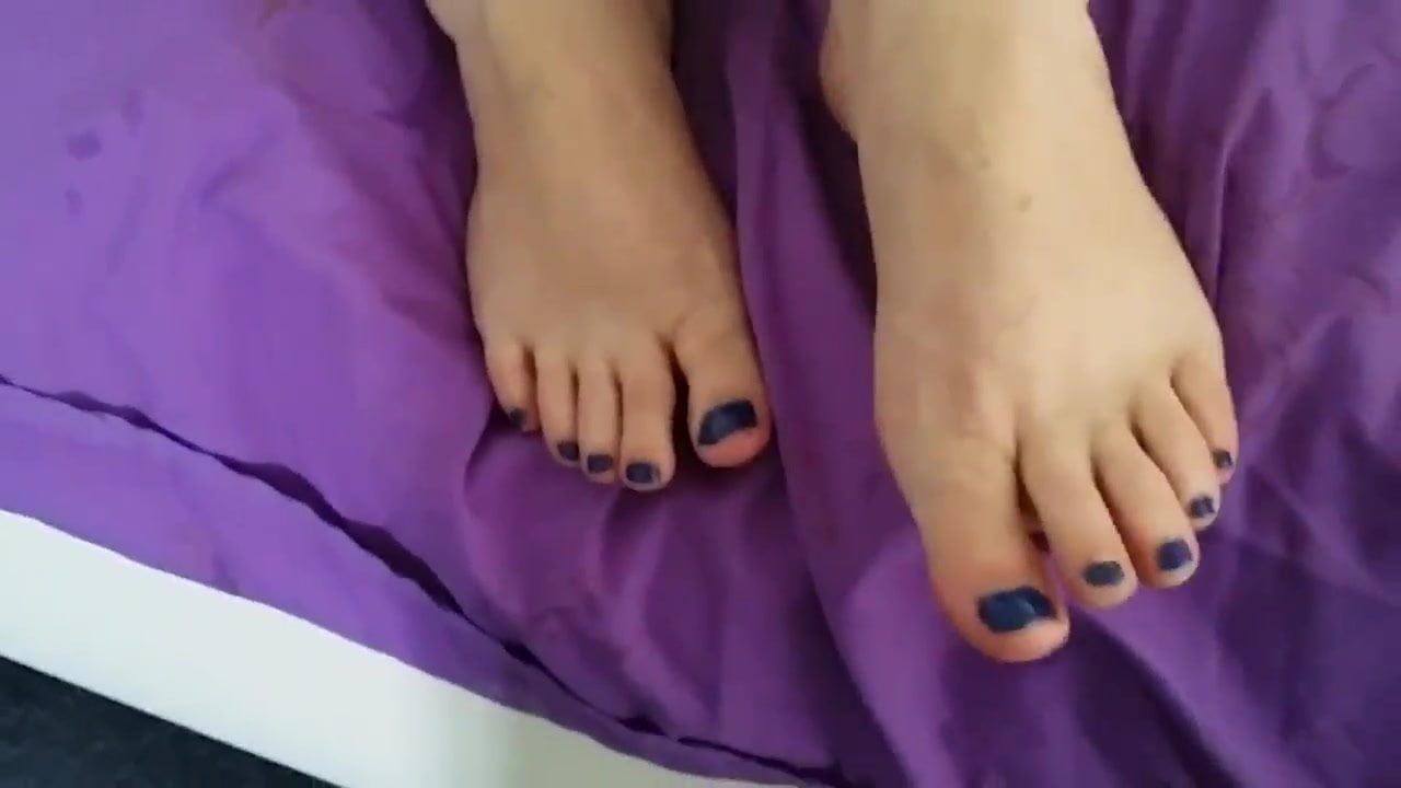 Footjob And Cum On Sexy Feet