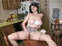 Hot Mature Mommy 2