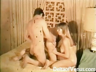 Vintage Erotica 1960s - Hairy Pussy Teens Threesome