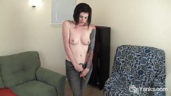 Tattooed Liss Rubbing Her Pussy