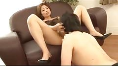 asian milf facesitting