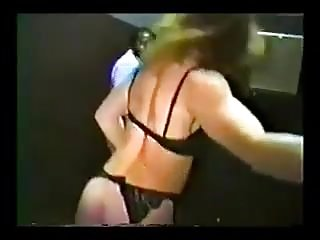 Esposa vadia dando pra varios homens e marido corno filmando