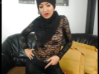 Download video bokep Islamic middle-eastern girls in leather fetish dance Mp4 terbaru