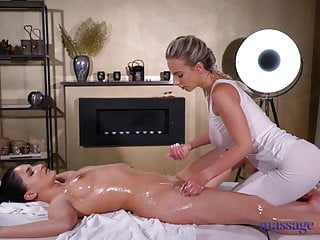 Massage Rooms Ellen Betsy fingers and licks busty blonde