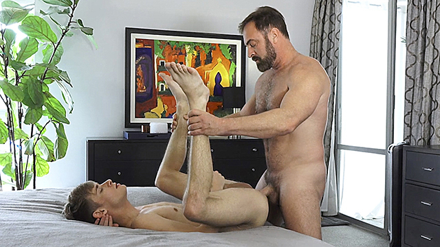 FamilyDick – Harmless Boy Will get His Tight Asshole Pounded