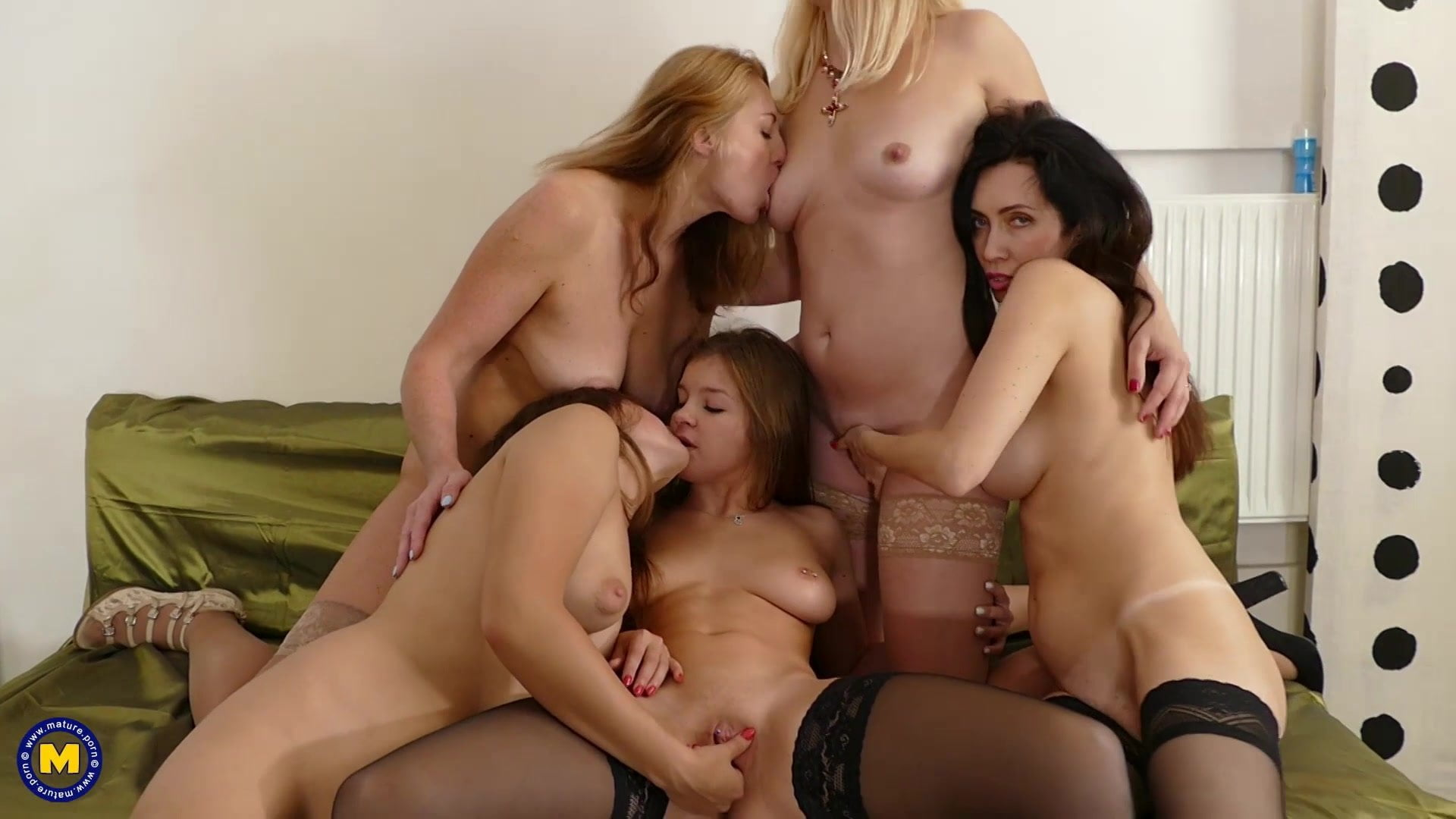 Group intercourse with young and old lesbians