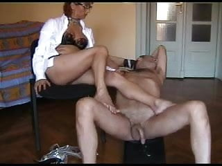 Download video bokep lei lo porta ai piedi di sperma Mp4 terbaru
