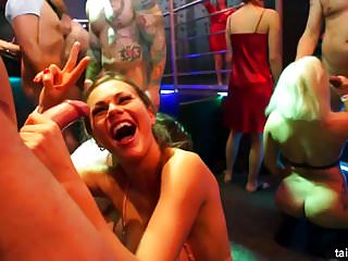 Bisexual babes fucking well at pajama party