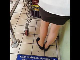 Download video bokep Sexy shopper in shiny tan pantyhose Mp4 terbaru
