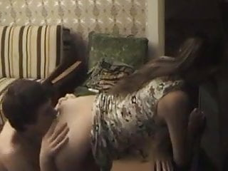Download video bokep Une jolie brunette en levrette Mp4 terbaru