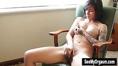Frau nackt schwarz
