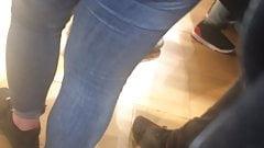 Jolie cul dans un magasin part 2