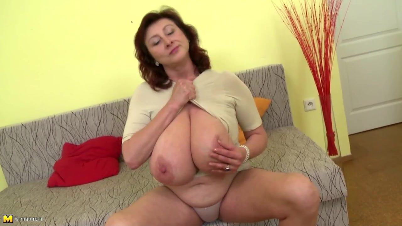 Huge mature tits nl