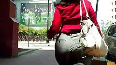MATURE REDBONE CANDID BOOTY IN SLACKS WALKING