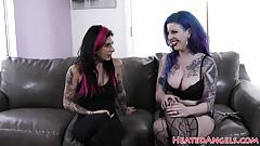 Curvy goth slut gets doggystyled in closeup