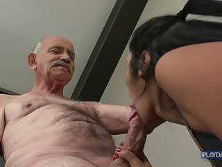 Download video bokep She wants grandpas big Dick Mp4 terbaru