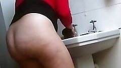 Hidden cam. Washing her BB dildo after anal session