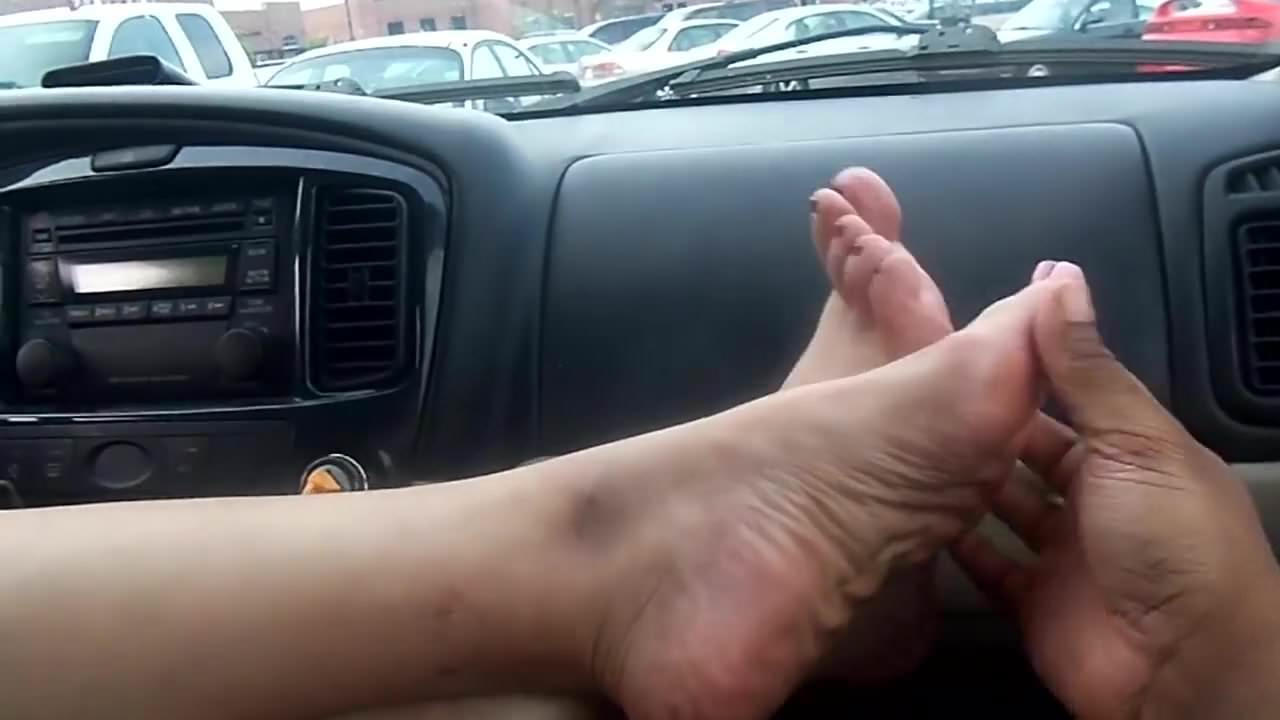 Candid Shoeplay Feet Nylons Close Up