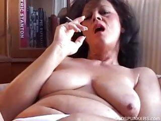 Gorgeous amateur - Gorgeous amateur cougar with nice big tits has a smoke break
