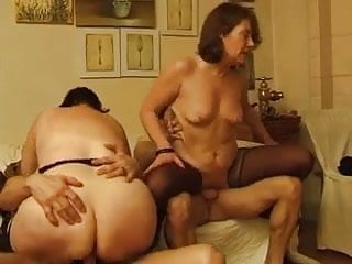 FRENCH MATURE 28 anal mature mom milf younger men