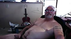 SAUNDRA: Mature cock stroker