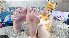 Super cute funny skinny model shows her feet.