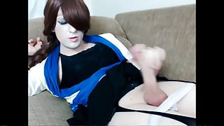 TS Trap in web show two time cums.