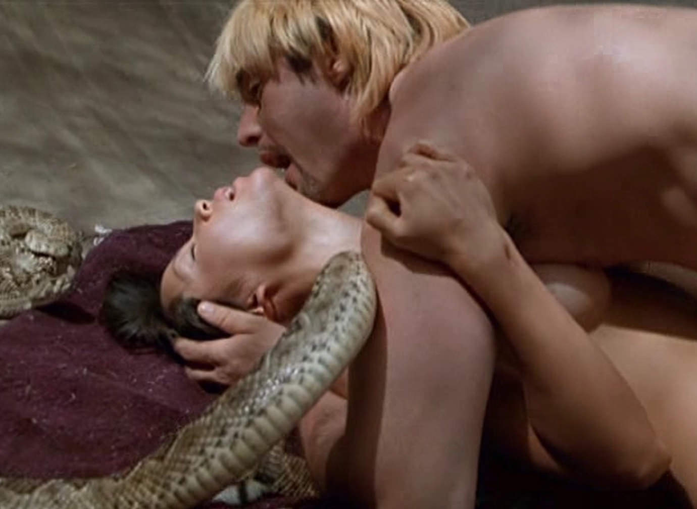 Lucy Liu Nude Sex Scene in Flypaper Scandalplanetcom.