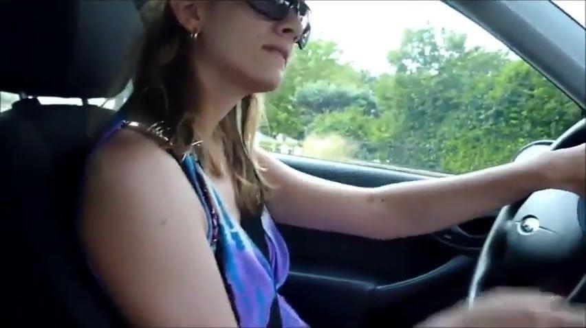 Bbw finger herself in car