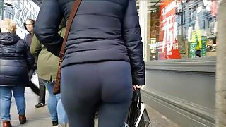 PAWG Milf with Nice shaped Booty
