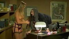 Gloria Guida seducing scene from La Studentessa movie