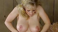 RIDE IT COWGIRL - huge bouncing tits beauty