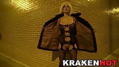 Krakenhot Hot provocative blonde showing her body in public