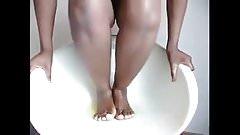 Ebony pee