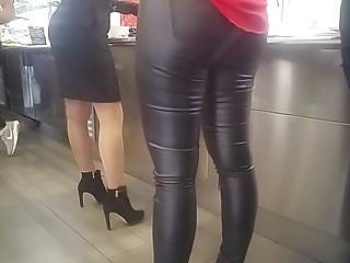 Office Secretary Milf In Leather Pant At Lunchtime