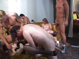 Hot blonde & a sexy brunette gang-banged