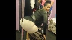 Deelishis Pole Bootyshake