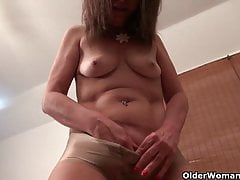 Nyloned milfs Lani Lee and Nyla Parker need getting off