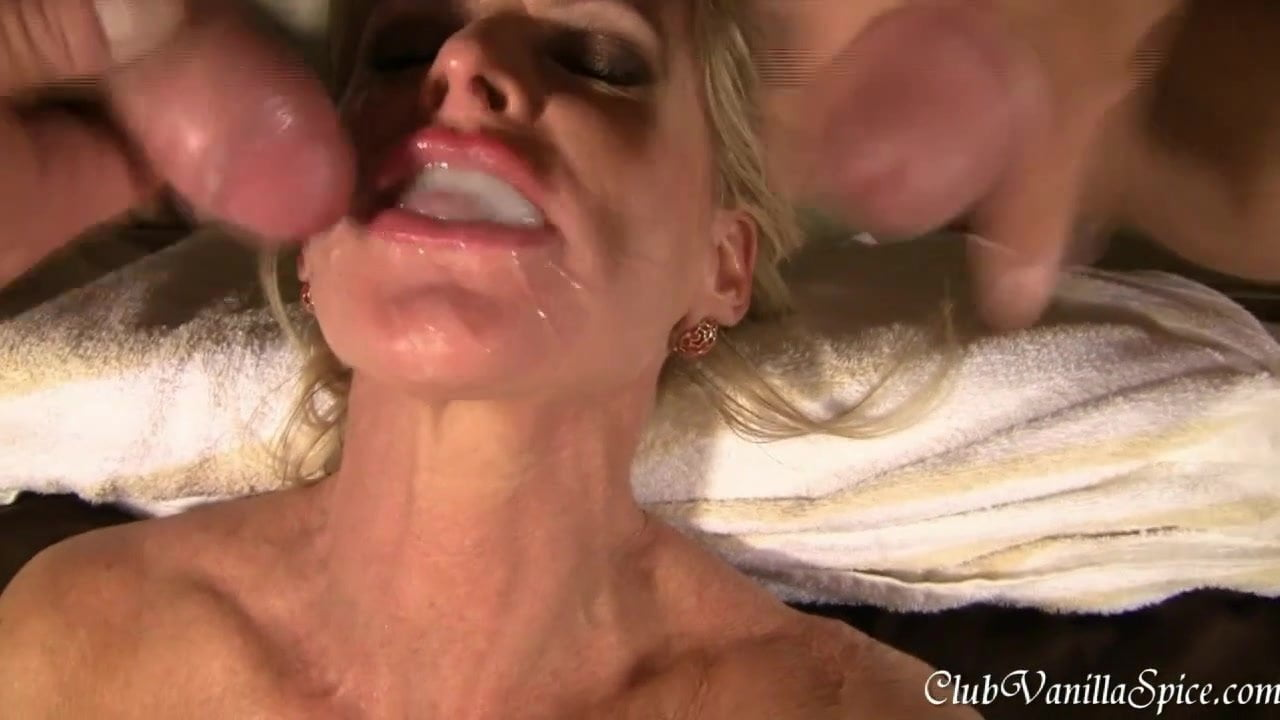 Pull out and cum on her face-9177